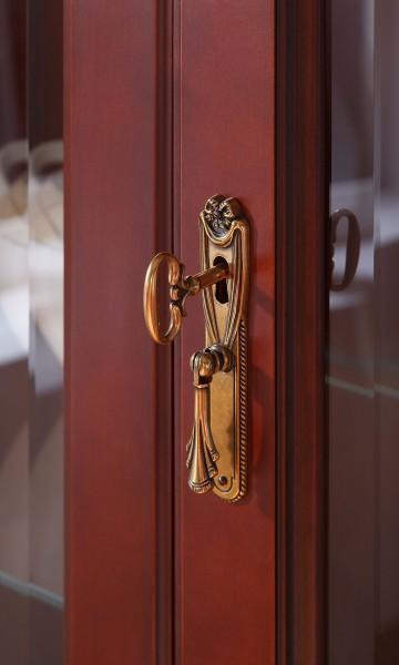klucz w zamku, meble Fiore